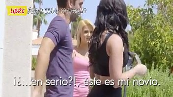 MI esposa acepta hacer trió con la vecina rubia tetona Subtitulado al español Ver vídeo completo aquí vidozanetxq805ytfuu6nhtml