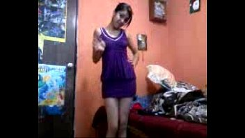 Hot mexican girl strips 2分钟