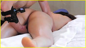esta virgen asiática me tetó para ser tocada ... REAL masaje de cama de hotel de Taiwán aficionado! (chorros chinos caseros e interraciales en Taipei)   secreto vlog de sexo al aire libre de Singapur ..