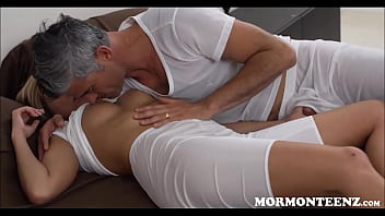 Mormon Step Daughter And Dad 8分钟