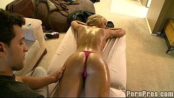 Sexy Blonde Gets Oily Fuck.p2