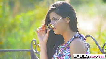 Babes Unleashed - (Coco de Mal Henessy) - Poon Watching