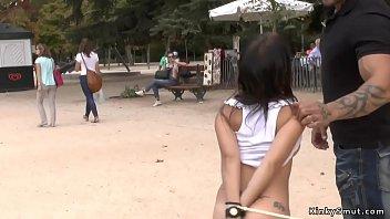 Petite Spanish slut public d. 5分钟