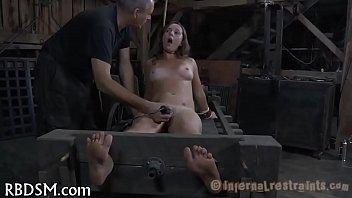 Shocking chick's lusty vagina 5分钟