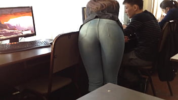 Ass in jeans doggy style in the office 30秒