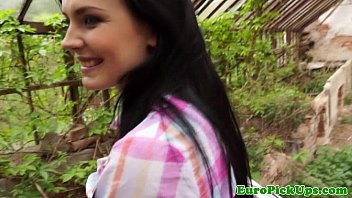 Stunning teen picked up and bent over 6分钟