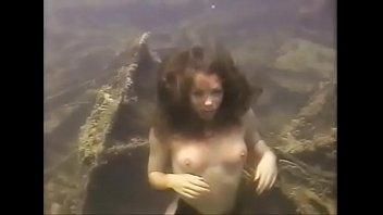 Allison's Underwater Nude Freediving