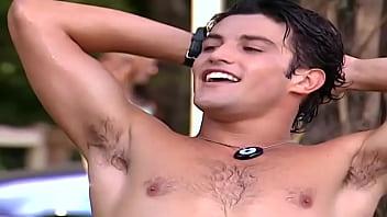 Marco Antônio Gimenez de sunga em Malhação 2005