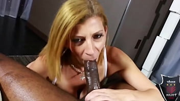 Stallion Rome Major Gets A Blowjob From Cougar Sex Queen Sara Jay! 6 min