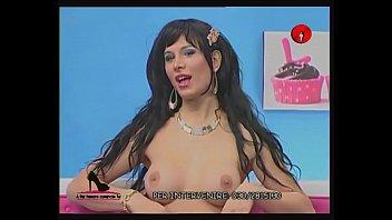 You tranny tube Alessia bergamo spogliarello al programma tv a far lamore comincia tu