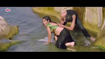 desimasala.co - Akshara singh hot seductive song from bhojpuri movie thumbnail