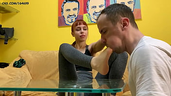 Amateur Home Femdom Foot Worship and Foot-Domination Close-up With Mistress Kira and Her LifeStyle Slave