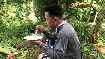 Uncle Pon eats breakfast.