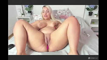 Solo Blonde BBW Latina