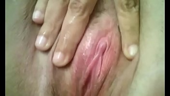 Bx Puerto Rican bbw playing with pussy for me