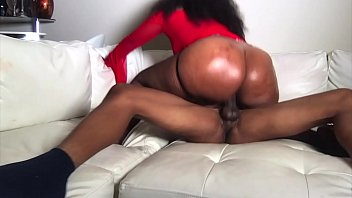 Streaming Video ms London fucks on lil d after her boyfriend leaves pt 2 - XLXX.video