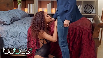 Curly Beauty (Scarlit Scandal) Knows How To Please A Man In Bed - Babes 12 min