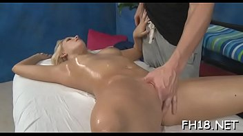 Naked hotty massage 5分钟