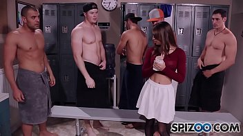Spizoo - Teen Sara Luvv takes on 5 big dicks in her throat, BlowBang 11 min
