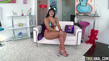 TRUE ANAL Stuffing Valentina Jewels big round ass