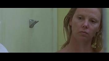 Charlize Theron in Monster (2003) - 2 Vorschaubild