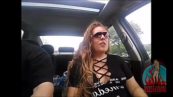 Hot married girl showing off in the car for hundreds of fans, shows her breasts and face