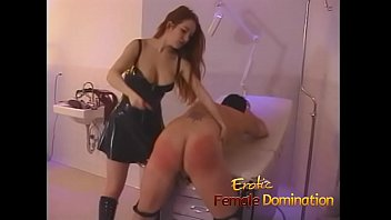 Streaming Video Sexy redhead dominatrix puts Felix through some painful slave exercises - XLXX.video