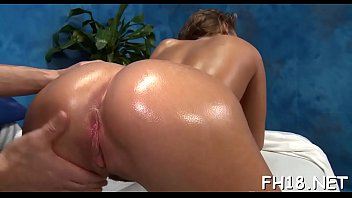 Hotty gives unfathomable throat
