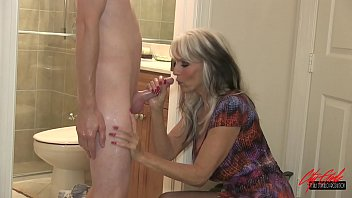 Young guy fucks his grandma  #GILF #MILF #TABOO Sally D'angelo porno izle