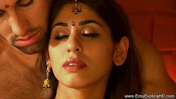 Erotic couples massage preview - Exciting tantra techniques from indian couple