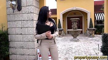 Big ass latina real estate agent sucks and bangs her client thumbnail
