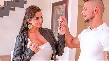 BITCHES ABROAD - Hardcore Fuck Fest With Curvy Squirting Tourist Chloe