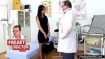 Il Dottore Fa Sesso Con Il Paziente