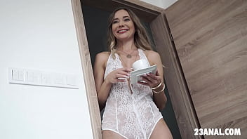 Morning with some anal sex - Polina Maxima