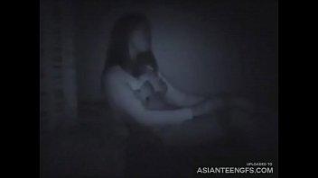 (HIDDEN CAMERA) Western guy fucks a young Asian babe