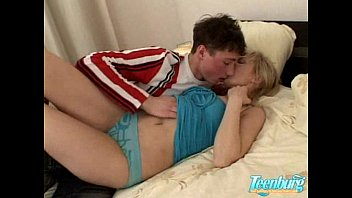 Sweet teen fucking in bedroom - WWW.FAPLIX.COM
