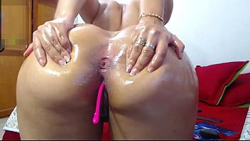 Mega ass latina big and round booty 2