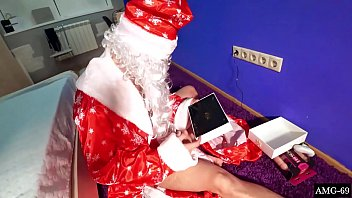 Santa Claus Hard Fuck Wet Pussy Elf - Girl and Cum im Mouth