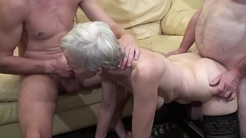 Old woman makes fucked threesome fucking her nephew and her father