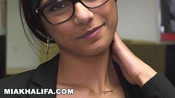 MIA KHALIFA - Slow Motion Tour Of Mia's Incredible Arab Body Vorschaubild