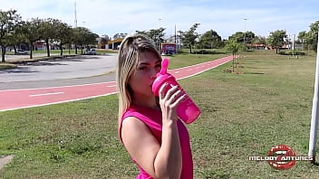 Hot blonde masturbates in park after getting all sweaty / FULL ON RED - MELODY ANTUNES