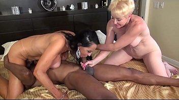 2Tongues Exclusive 420Bangus Rita Daniels & Seka Black