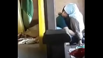jilbab ketahuan dipaksa ngewe ulang Full video https://ouo.io/8fSTW0V pornhub video