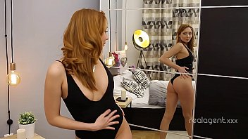 Beauty Mia Gold with red hair enjoy playing with pink dildo in the bed