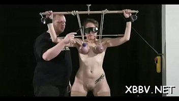 Nipples torture with woman in need for supplementary spicy sadomasochism Vorschaubild