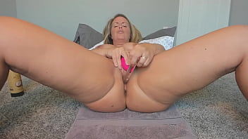 Mommy Plying With Toys And Her Pussy