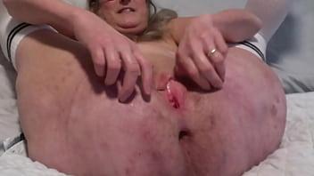 Mature Mom Masturbates To Big Solo Squirt Pussy Soaking Wet 11分钟