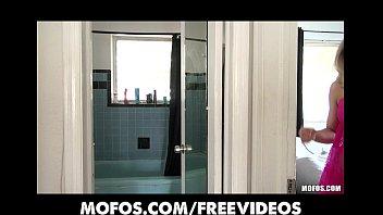 Stunning sexy blonde amateur masturbates in her bathroom porn image