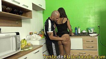 Sogrão fucked his son's naughty girlfriend (Paola Gurgel)