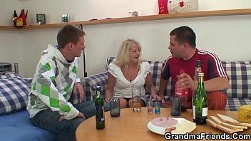 Hairy blonde granny double penetration fuck